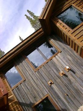 Cabin-like home